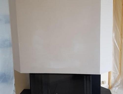 Foyer 790-3V avec sole foyère en granit dans cheminée existante